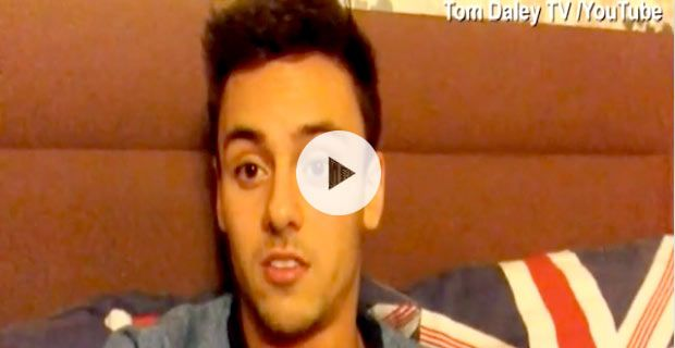 wasserspringer-tom-daley-outing-sportler-liebt-einen-mann-video-default