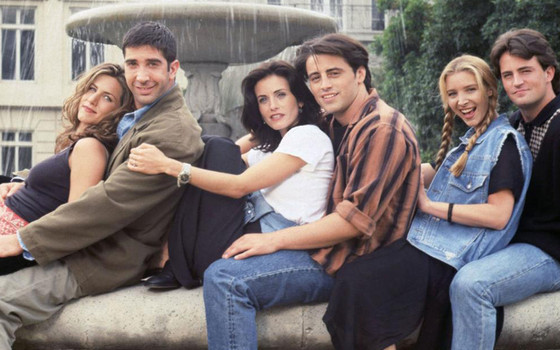 rs_560x415-131009085949-1024.friends-cast-shot-fountain.mh.100913