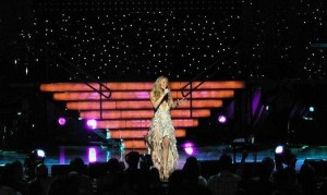 Mariah_Carey_2003_tour_1