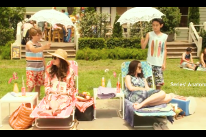 gilmore_girls_year_in_the_lfe_summer_lorelai_rory_pool-600x400